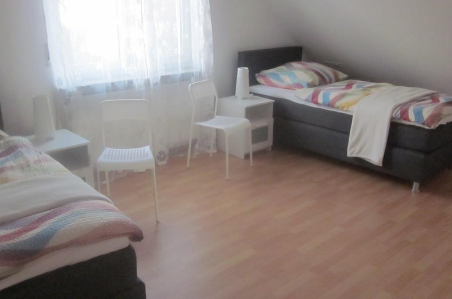 apartment 3 schlafr ume boxspringbetten in filderstadt. Black Bedroom Furniture Sets. Home Design Ideas